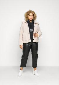 Calvin Klein Jeans Plus - ECO - Hoodie - beh - 1