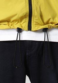 Napapijri - A-CIRCULAR - Outdoor jacket - yellow moss - 6