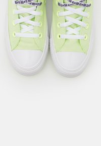 Converse - CHUCK TAYLOR ALL STAR - Baskets montantes - barely volt/white/black - 5