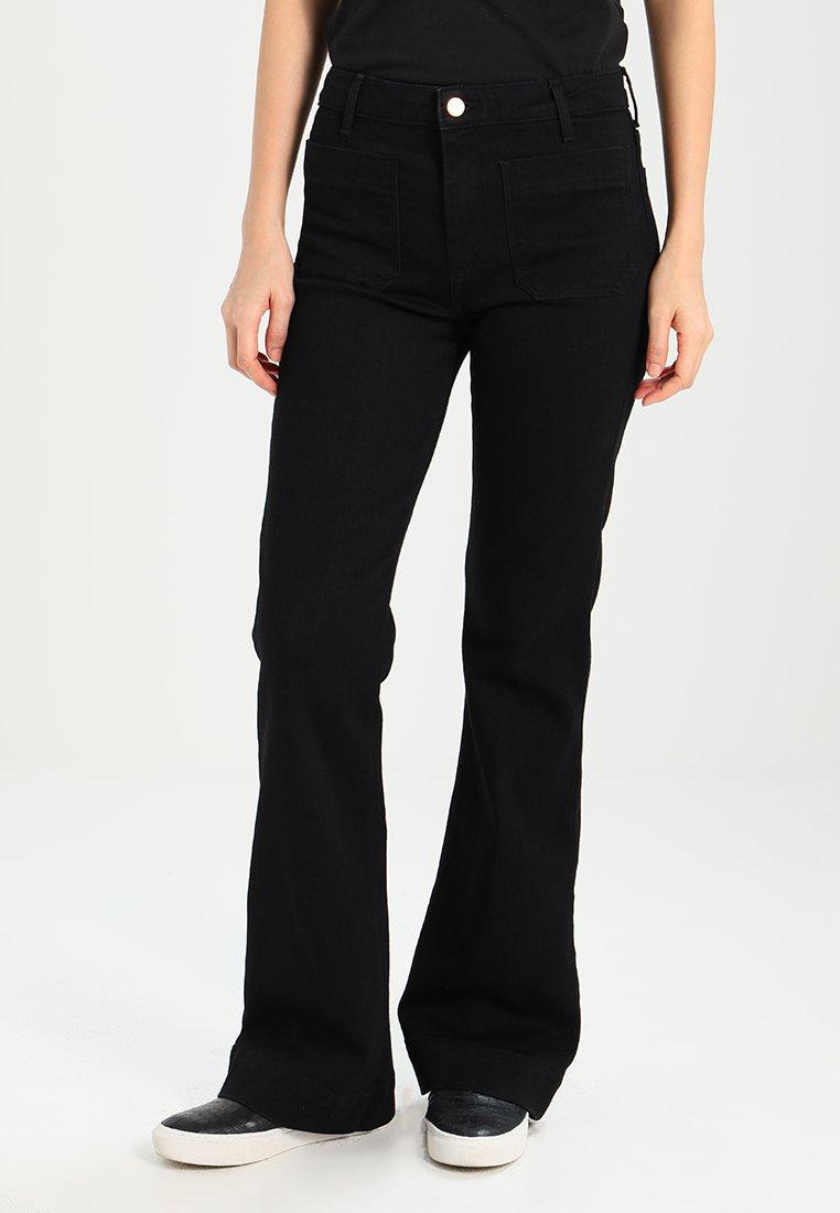 Wrangler - Flared Jeans - retro black