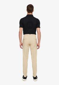 J.LINDEBERG - ELLOTT MICRO - Pantalon classique - safari beige - 2