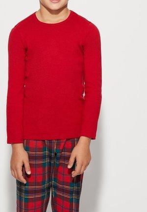 Long sleeved top - deep red