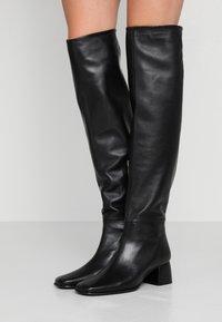 Filippa K - CAMILLE HIGH BOOT - Kozačky nad kolena - black - 0