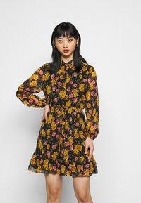 Pieces Petite - PCTHILDE DRESS - Shirt dress - black - 0