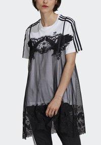 adidas Originals - Vestido ligero - white - 3
