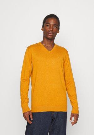 BASIC V NECK - Jumper - rusty orange burned melange