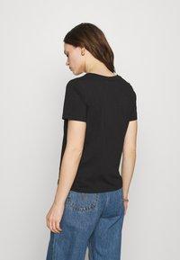 Calvin Klein - SMALL NECK  - Jednoduché triko - black - 2