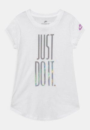 RISE - Camiseta estampada - white