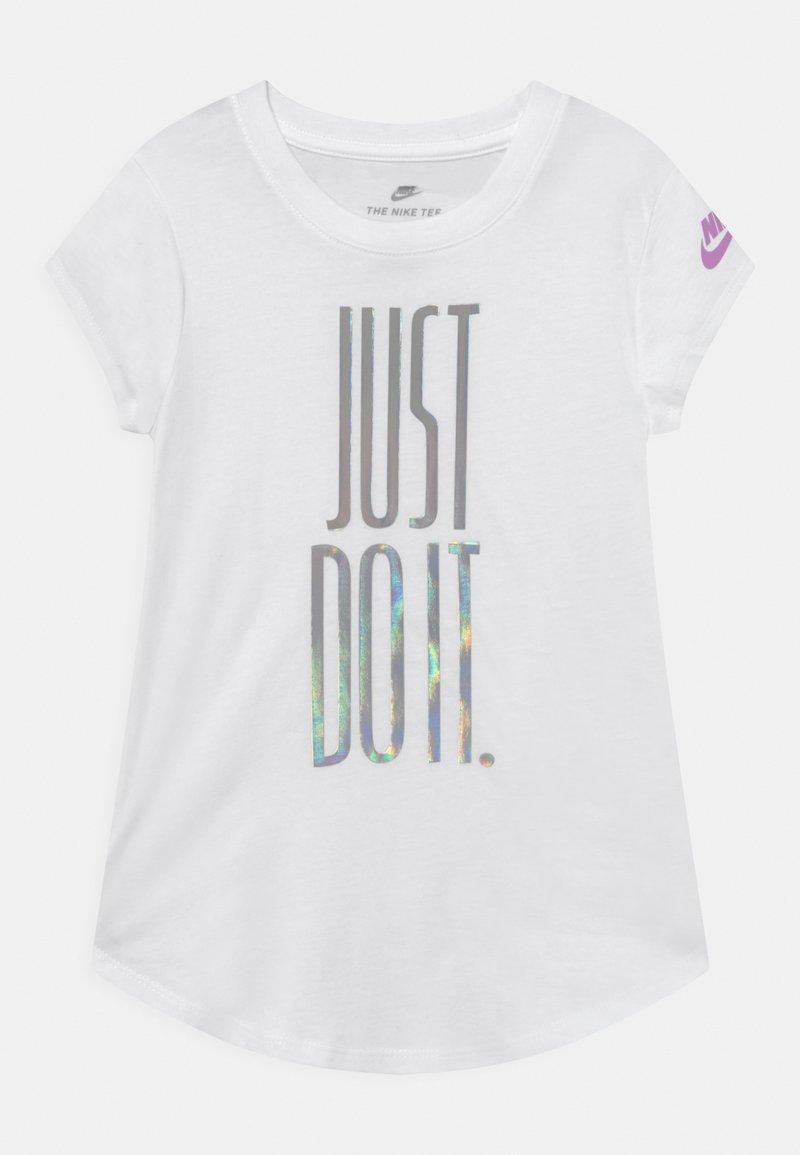 Nike Sportswear - RISE - T-shirt print - white