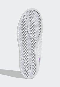 adidas Originals - SUPERSTAR J - Trainers - white - 4