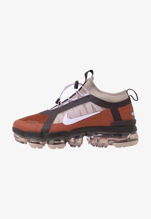 AIR VAPORMAX 2019 UTILITY - Sneakers - cinnamon/purple agate/burgundy ash/pumice