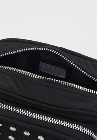 Versace Jeans Couture - STUDDED CAMERA - Across body bag - black - 5