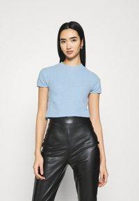 Monki - CIMA  - Basic T-shirt - blue light - 0