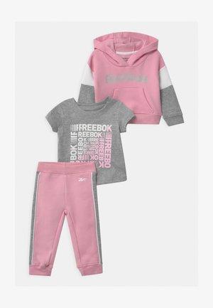 HOODIE SET - Tracksuit - pink