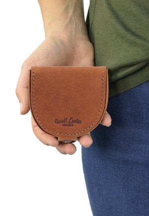BRIAN - Wallet - hazelnut