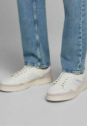 Sneakersy niskie - winter white