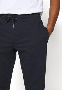 Burton Menswear London - 2 PACK - Tracksuit bottoms - navy - 5