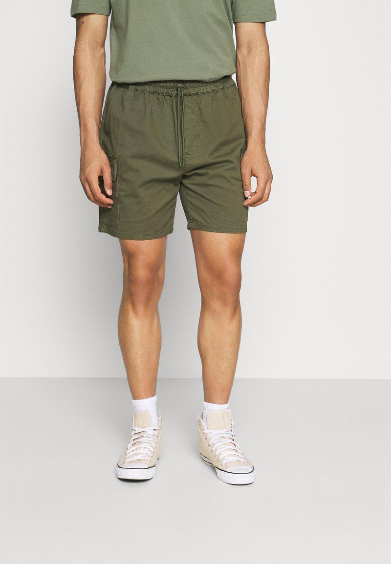 REVOLUTION - Shorts - army
