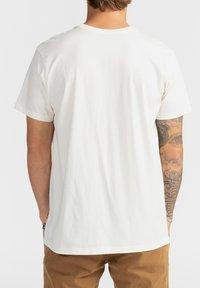 Billabong - SPINNER - Print T-shirt - off white - 2