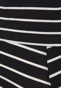 Anna Field MAMA - Nursing Shift dress - Shift dress - black/off-white - 2