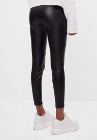 Bershka - Pantalon classique - black - 2