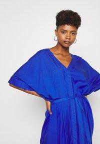 Monki - CARRO DRESS - Maxikjole - blue - 3
