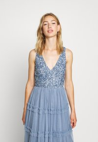 Lace & Beads - MARYAM MIDI - Cocktail dress / Party dress - dusty blue - 3