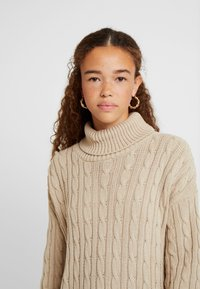 Missguided Petite - CABLE ROLL NECK JUMPER - Pullover - stone - 4