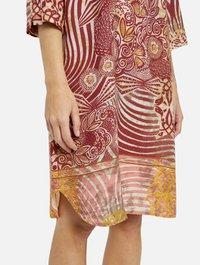 Smith&Soul - Day dress - gold print - 3