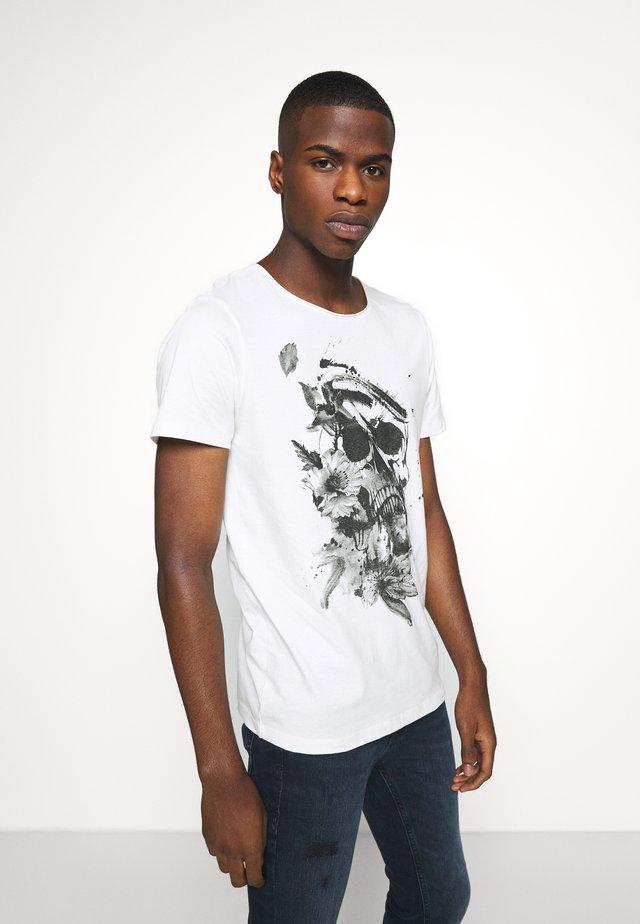 JORBRIAN  - T-shirt imprimé - cloud dancer