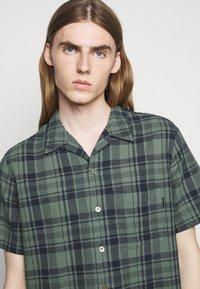 PS Paul Smith - MENS CASUAL FIT - Shirt - dark green - 3