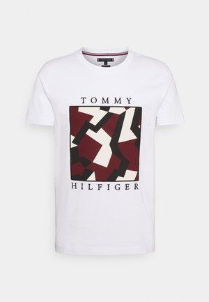 DAZZLE BOX TEE - T-shirts print - white