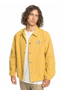 Quiksilver - Light jacket - honey - 3
