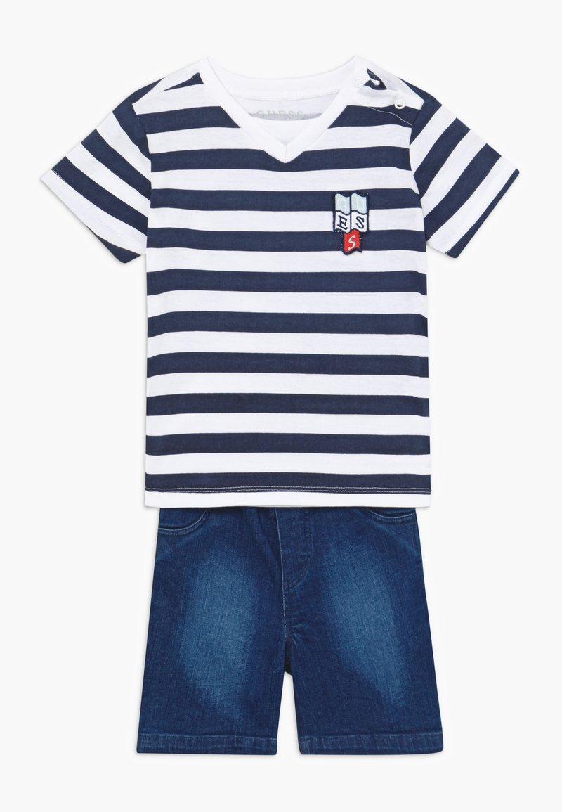 Guess - POLO SHORTS BABY SET  - Denim shorts - white/blue stripe