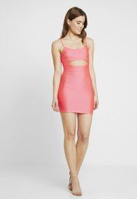 Nly by Nelly - SO GLOSSY CUT DRESS - Shift dress - pink - 1