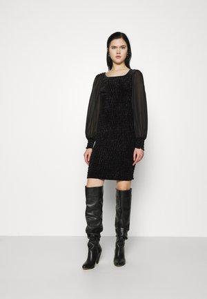 YASSMOKA DRESS - Vapaa-ajan mekko - black