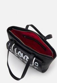 Love Moschino - GRAFFITI - Handbag - fantasy color - 3