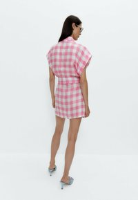 Uterqüe - MIT VICHYKAROS  - Shirt dress - pink - 2
