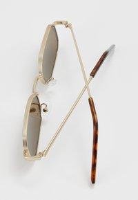 Pier One - UNISEX - Sunglasses - gold-coloured - 2