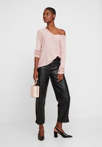 Anna Field - RELAXED V-NECK - Jumper - pink - 1