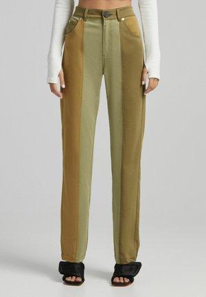 MIT KONTRASTEN - Trousers - khaki