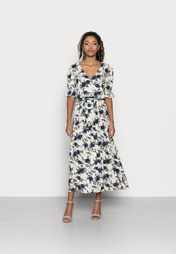 VIEFIE  DRESS PETITE - Maxi dress - birch/flowers