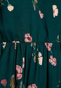 Vero Moda - VMFALLIE - Vapaa-ajan mekko - ponderosa pine/fallie - 6