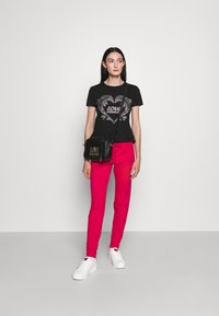 Love Moschino - T-shirt imprimé - black - 1