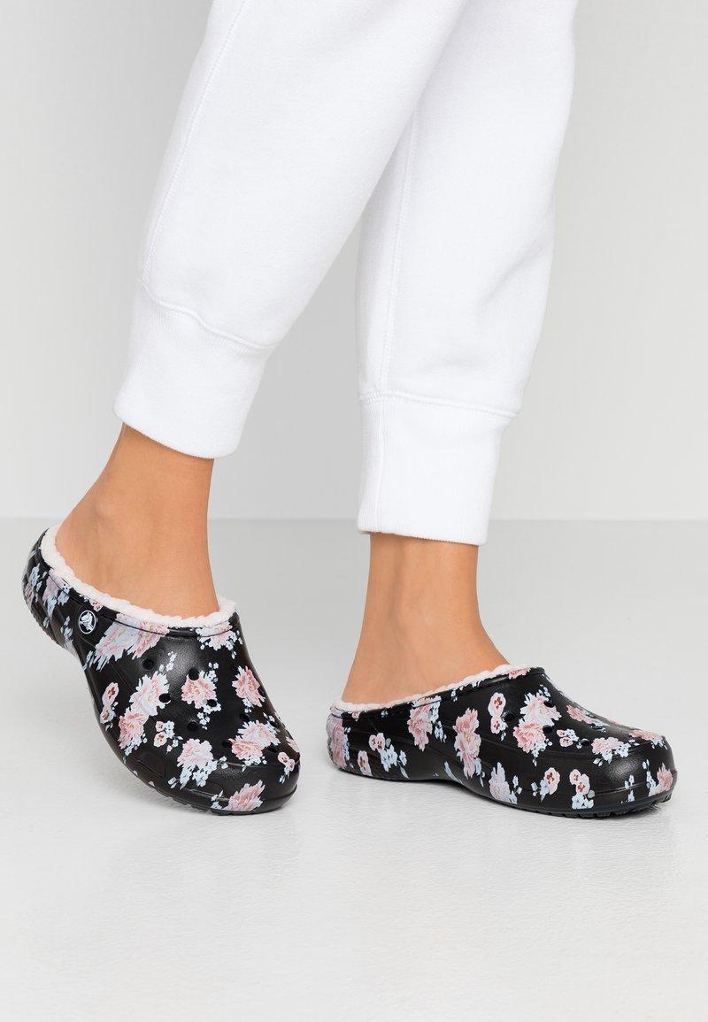 Crocs - FREESAIL - Slippers - black