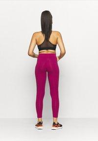 adidas Performance - LIN - Leggings - berry - 0