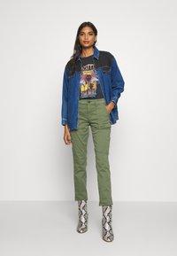 Banana Republic - SLOAN UTILITY - Trousers - flight jacket - 1