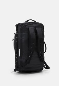 The North Face - BASE CAMP VOYAGER DUFFEL UNISEX - Rugzak - black/white - 1