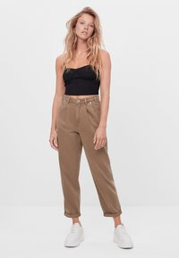 Bershka - Bukser - brown - 1