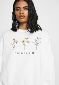 Even&Odd - FLOWER  PRINTED SWEATER - Sweatshirt - white - 4